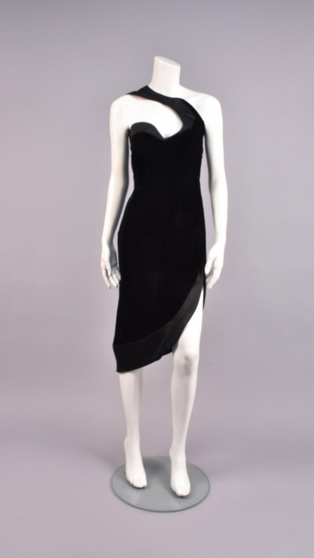 THIERRY MUGLER ONE-SHOULDER VELVET EVENING DRESS,