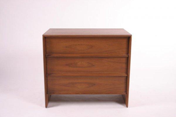 19: T.H. Robsjohn-Gibbings Chest of drawer, USA 1950