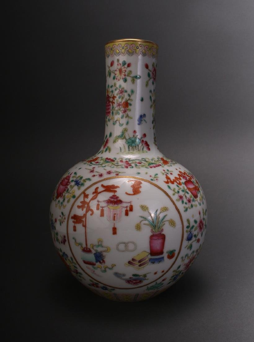 CHINESE FAMILLE ROSE QIAN LONG VASE
