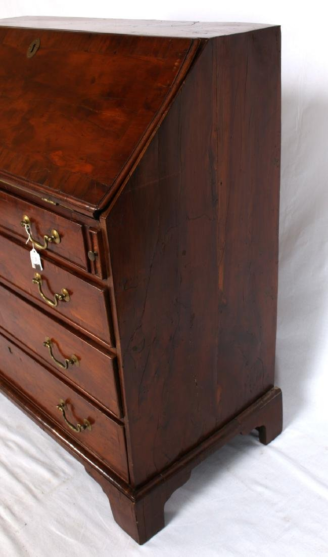 CHEST OF DRAWERS WITH DESK TOP C 1800 - 7