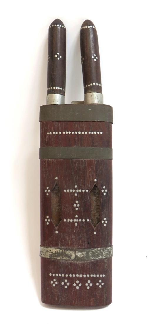 INDIAN SINGLE SHEATH WITH A PAIR OF KNIVES - 2