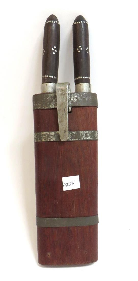 INDIAN SINGLE SHEATH WITH A PAIR OF KNIVES - 7