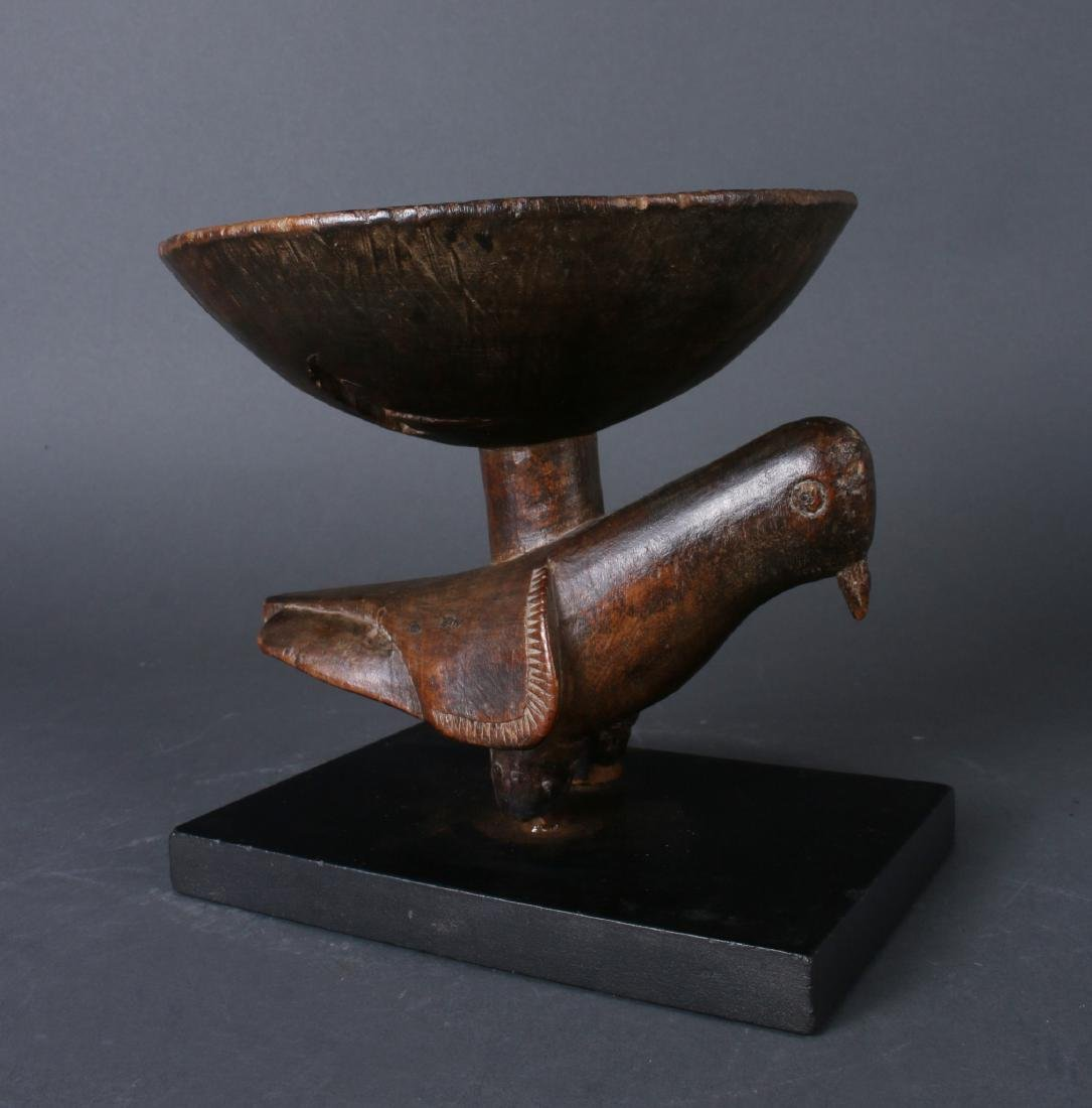 AFRICAN WOODEN BOWL ON PIGEON BASE