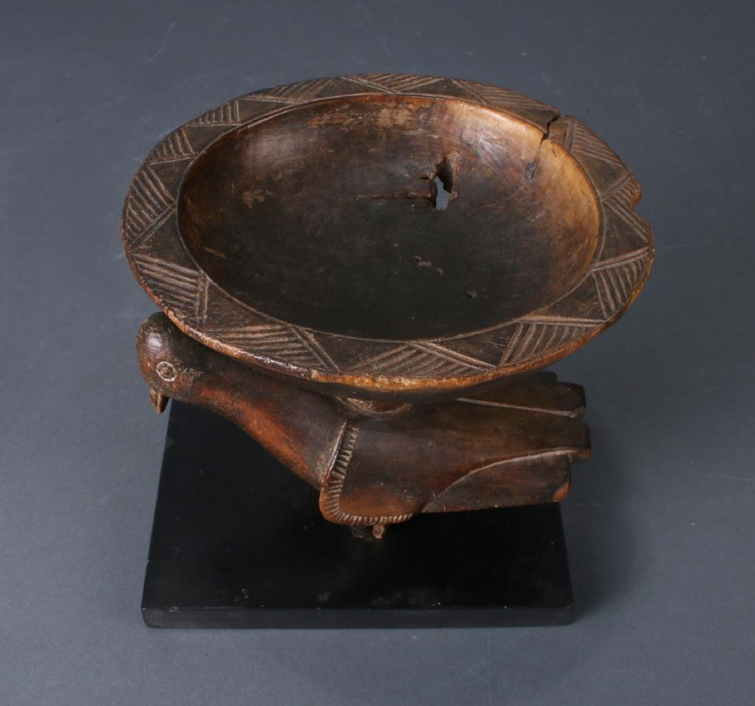 AFRICAN WOODEN BOWL ON PIGEON BASE - 3