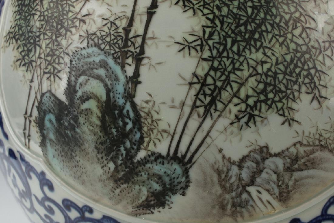 LARGE BLUE AND WHITE HUNDRED DEER VASE - 8