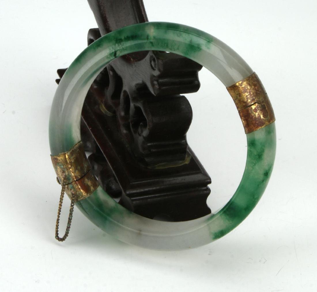 JADE HINGED BANGLE WITH CLASP - 3