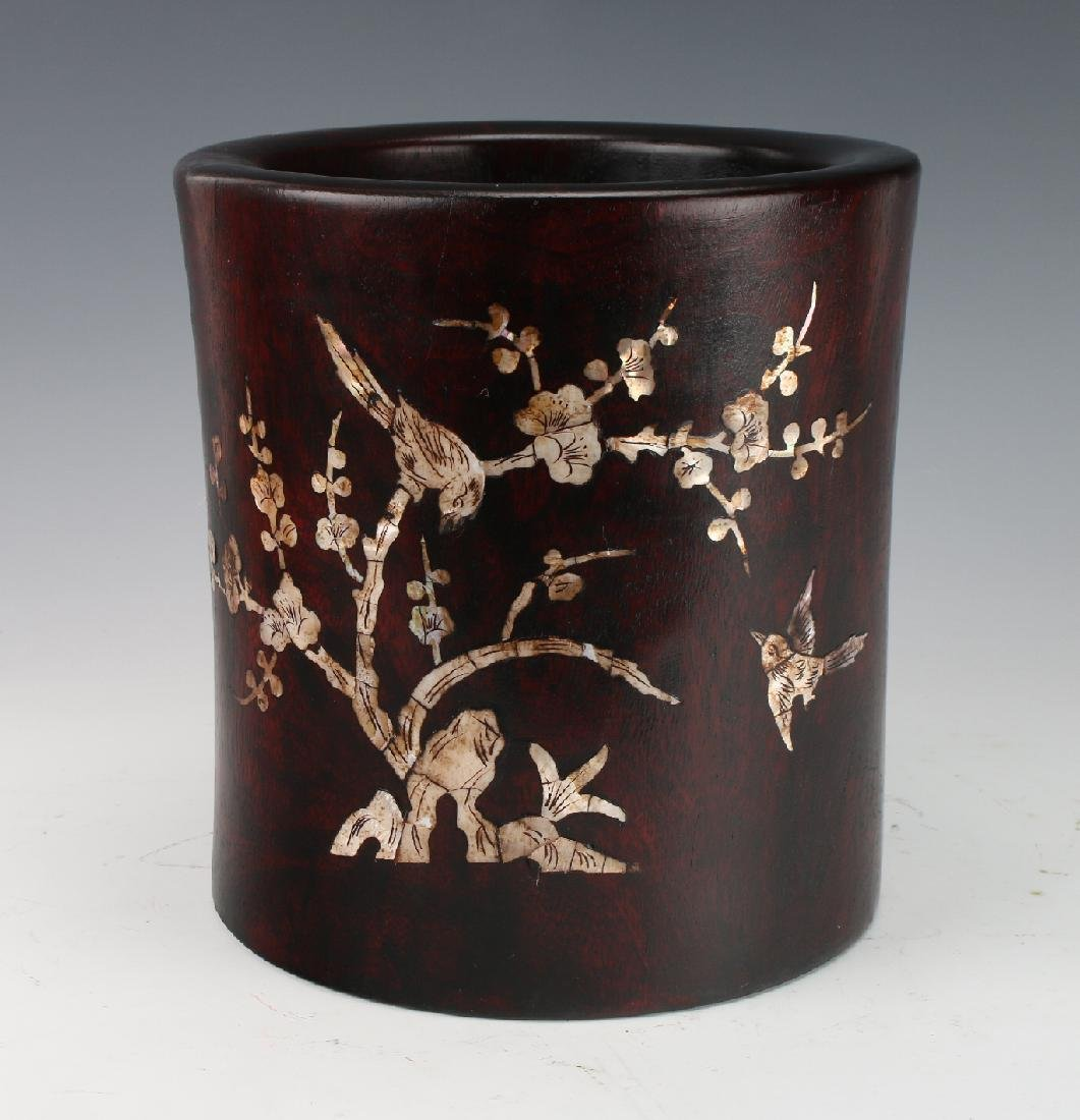 HUANGHUALI & MOTHER OF PEARL BRUSH POT