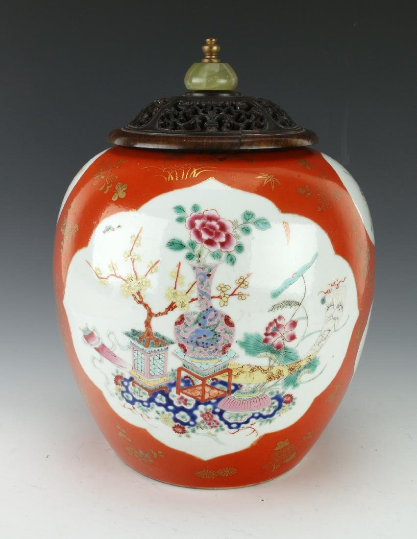 GINGER JAR WITH FLORAL MOTIF