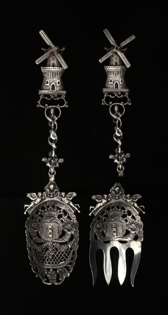 18TH C DUTCH SILVER SERVERS
