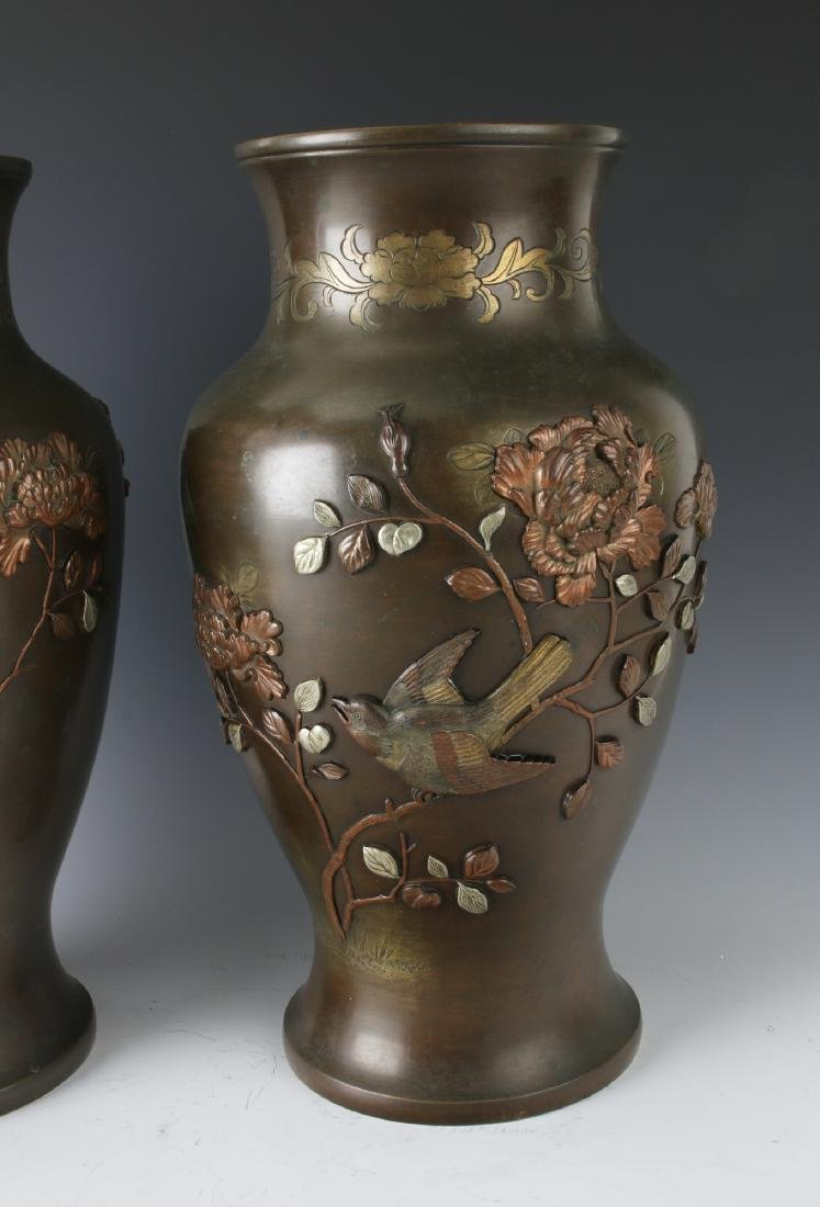 PAIR OF JAPANESE BRONZE VASES WITH FLORAL PATTERN - 3