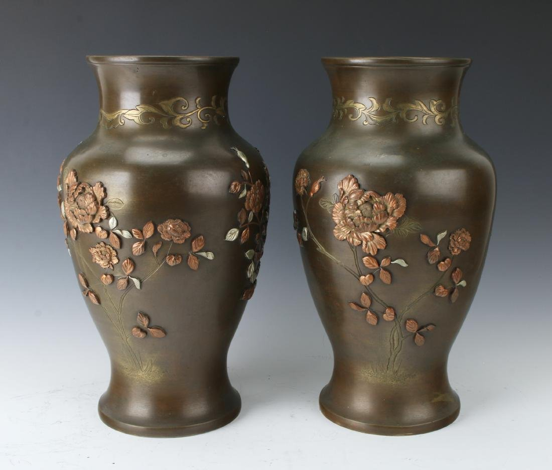 PAIR OF JAPANESE BRONZE VASES WITH FLORAL PATTERN - 5