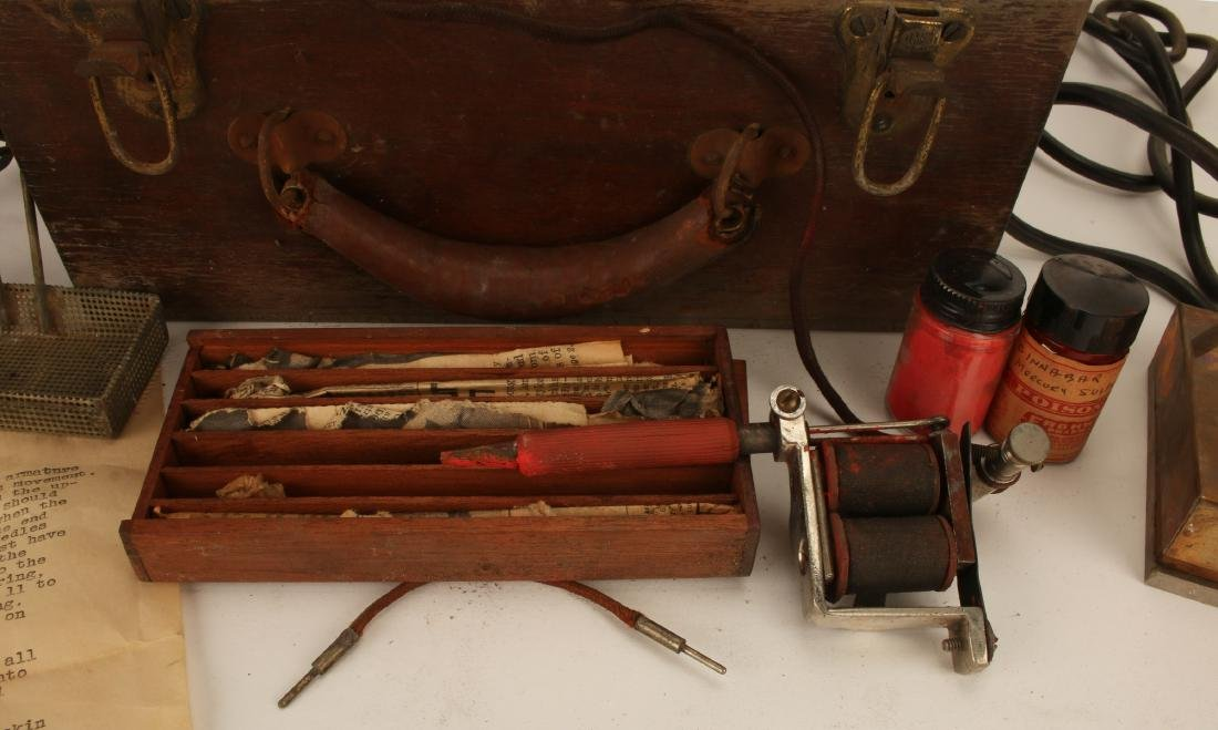 RARE ANTIQUE TATTOO GUN IN CASE