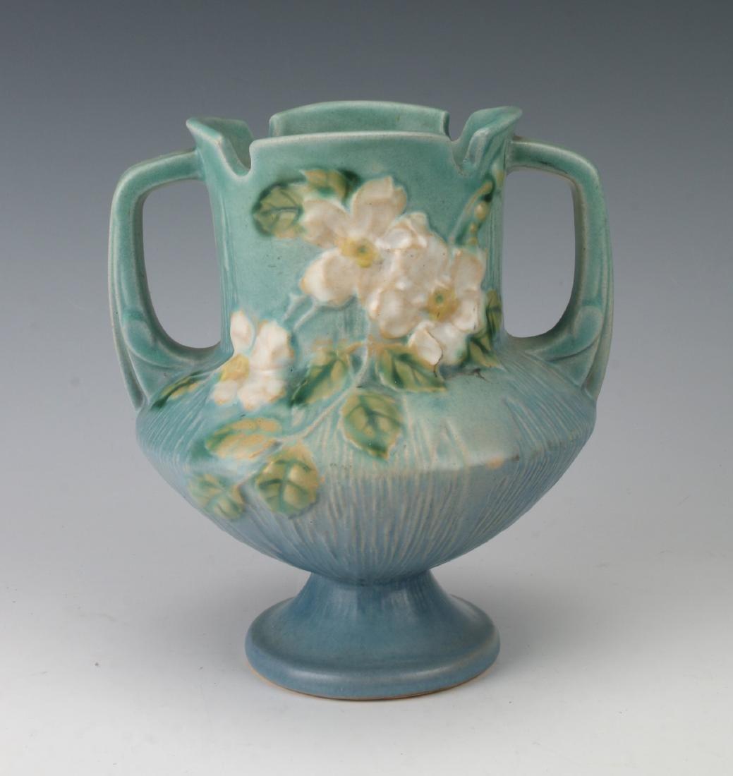 ROSEVILLE WHITE ROSE BLUE VASE146