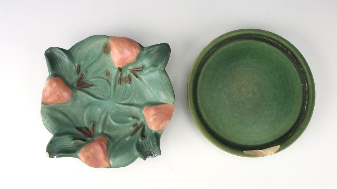 TWO PIECES OF ROSEVILLE STYLE CERAMICS - 2