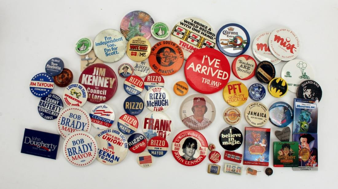 LARGE COLLECTION VINTAGE BUTTONS. RIZZO & LENNON