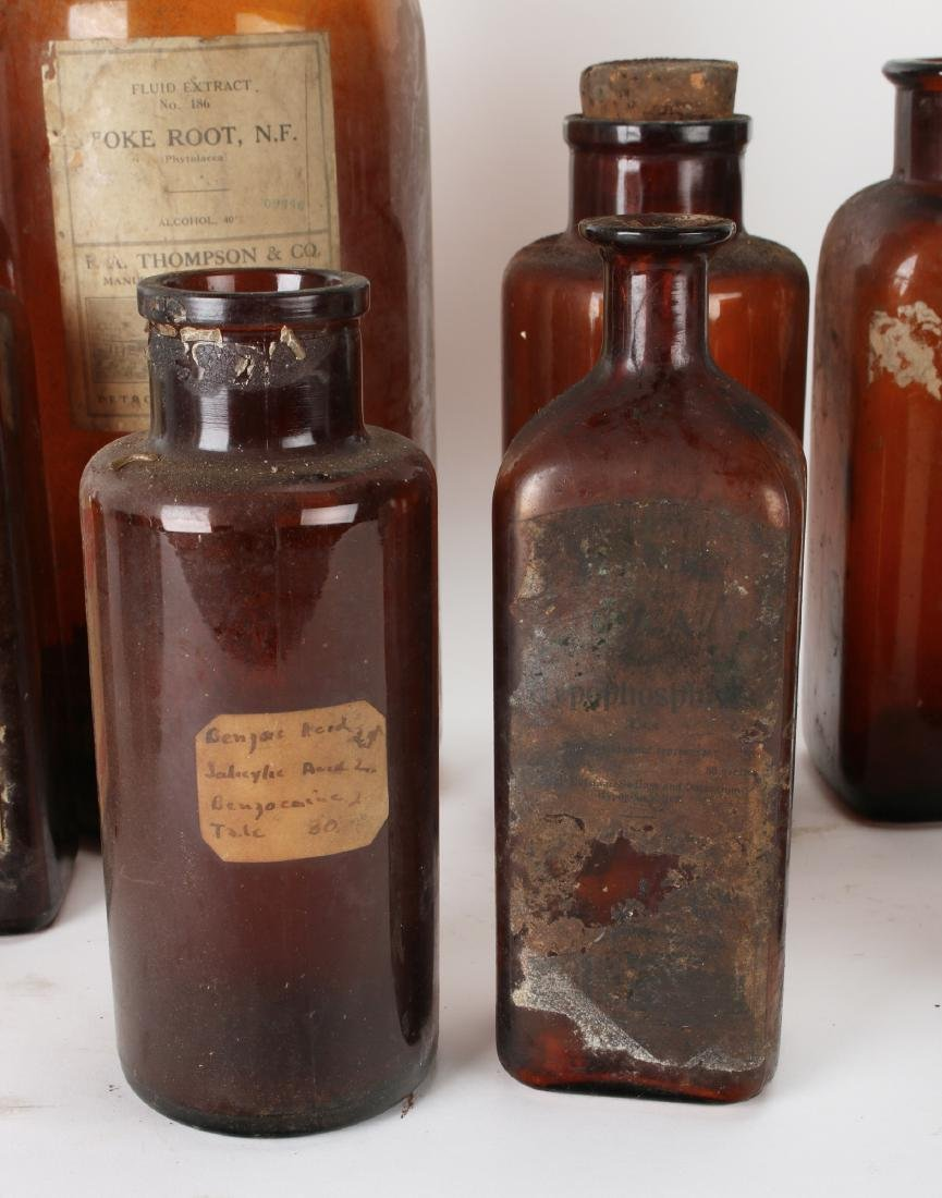 LARGE LOT OF APOTHECARY BOTTLES - 10