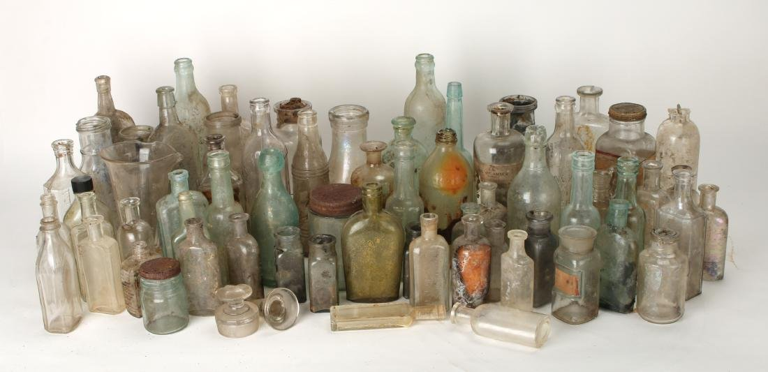 LARGE LOT OF APOTHECARY BOTTLES - 3