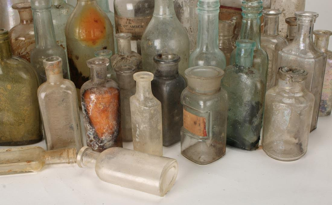 LARGE LOT OF APOTHECARY BOTTLES - 6