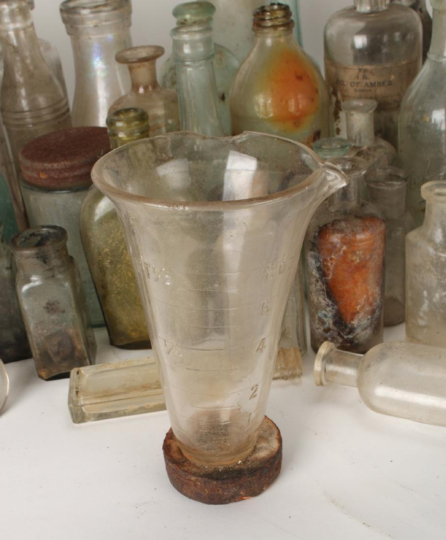 LARGE LOT OF APOTHECARY BOTTLES - 7