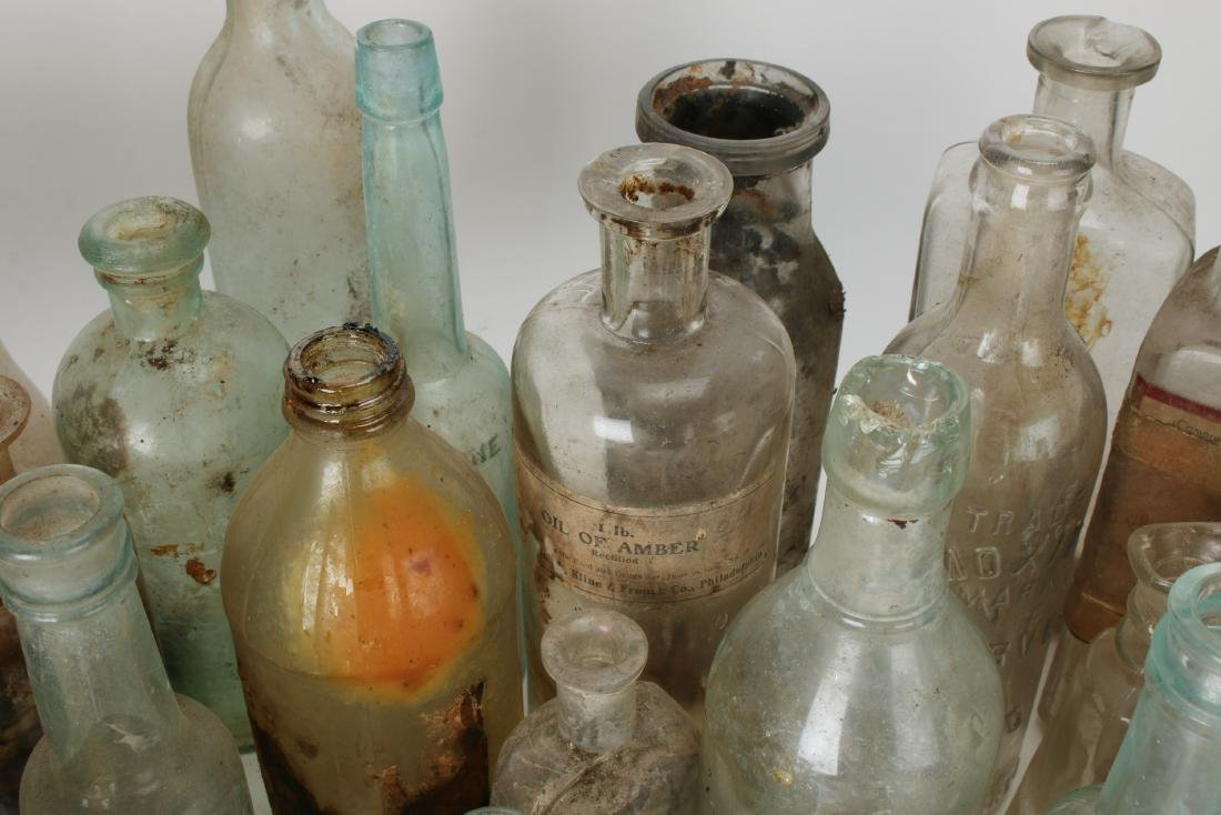 LARGE LOT OF APOTHECARY BOTTLES - 8