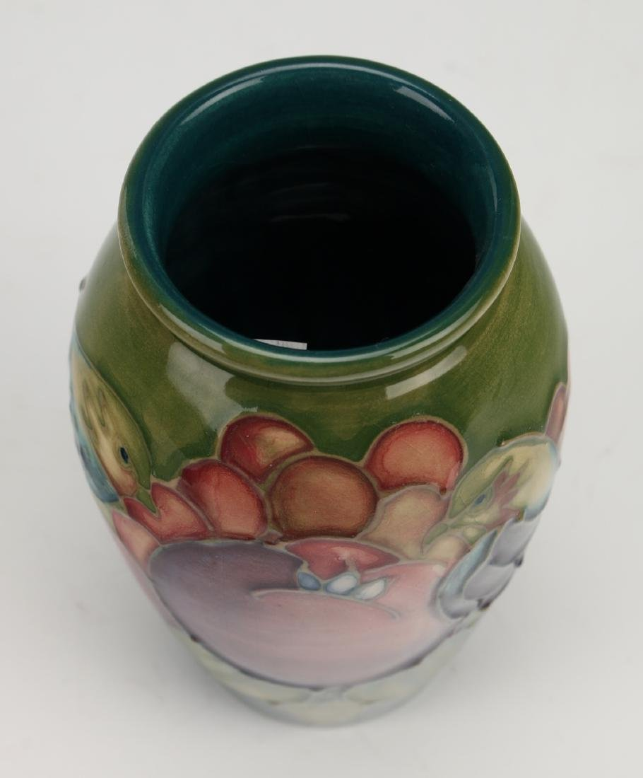 ENGLISH MOORCROFT VASE WITH FINCHES - 4