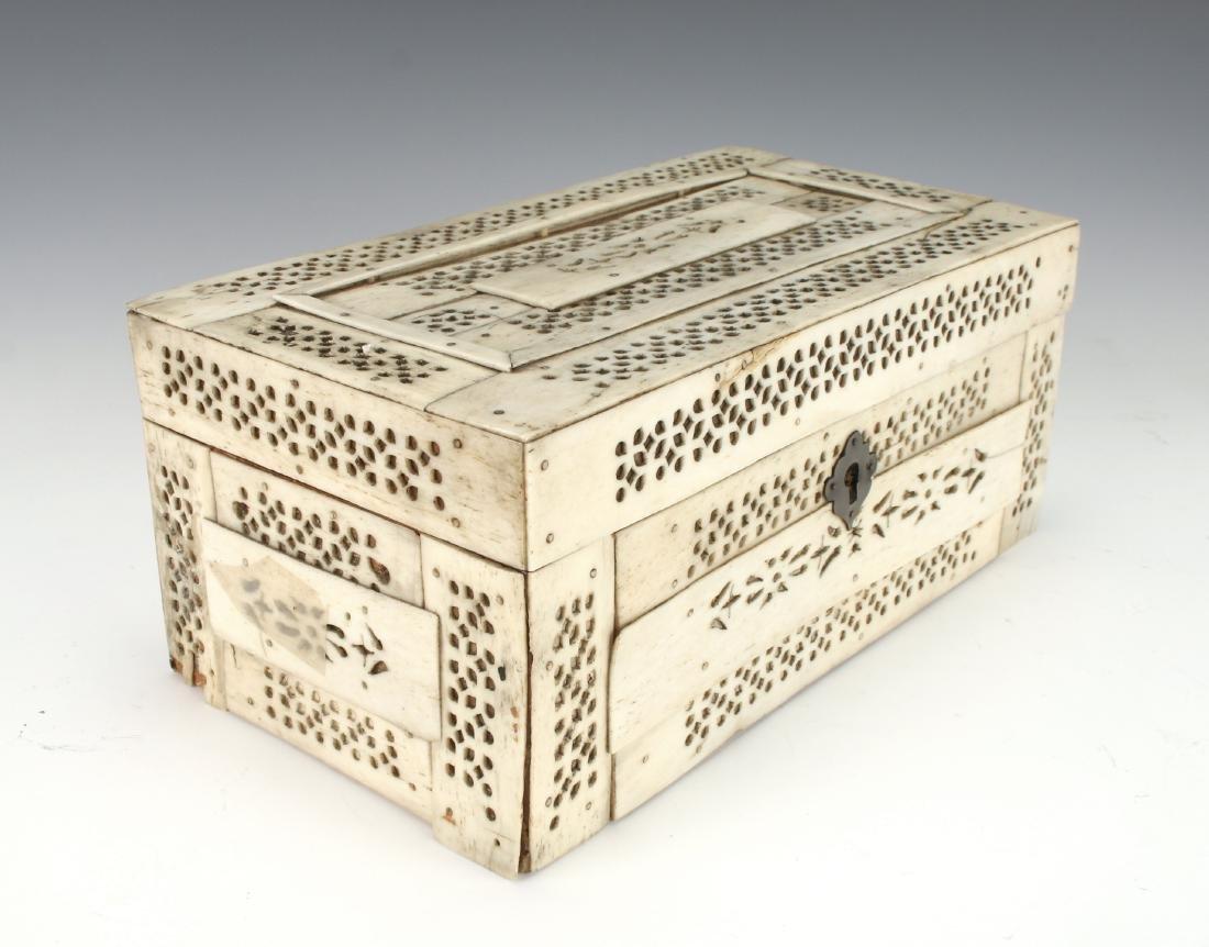 BONE DECORATED BOX