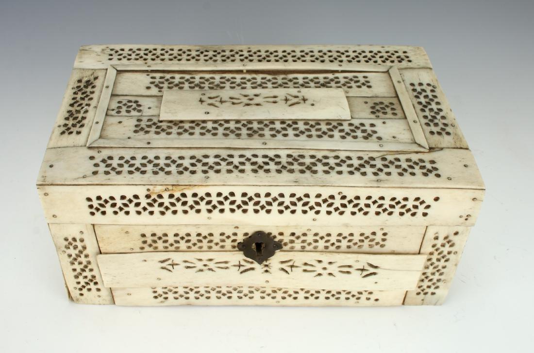 BONE DECORATED BOX - 2