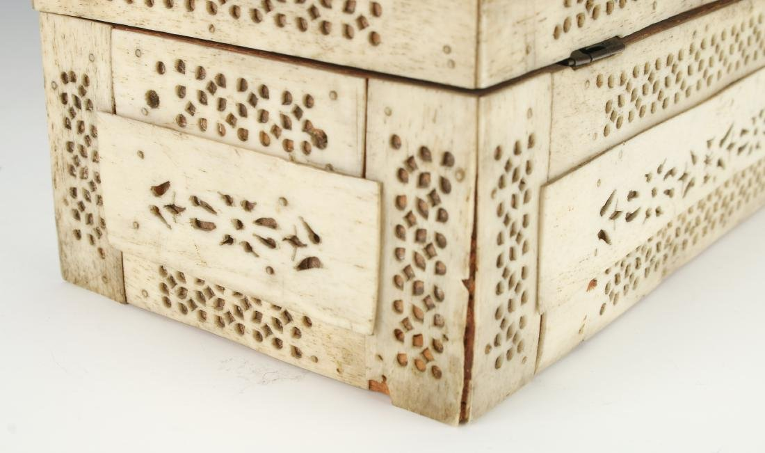 BONE DECORATED BOX - 7