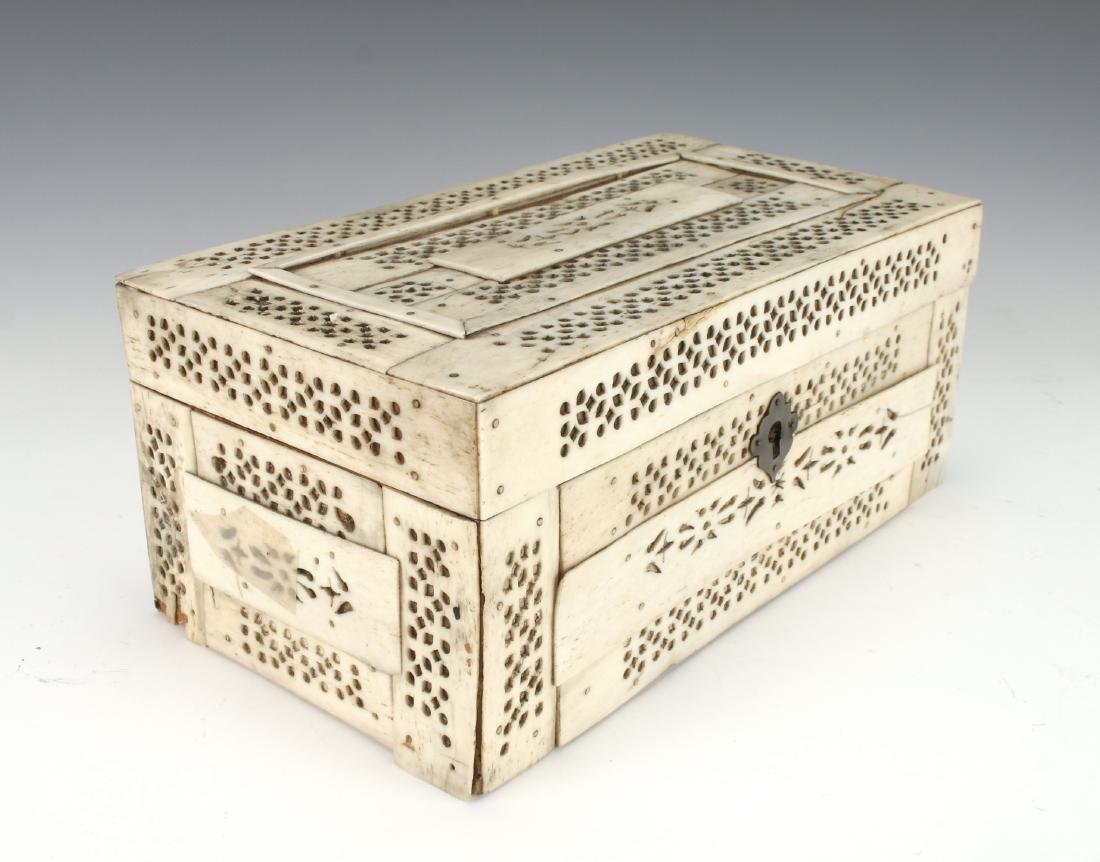 BONE DECORATED BOX - 9