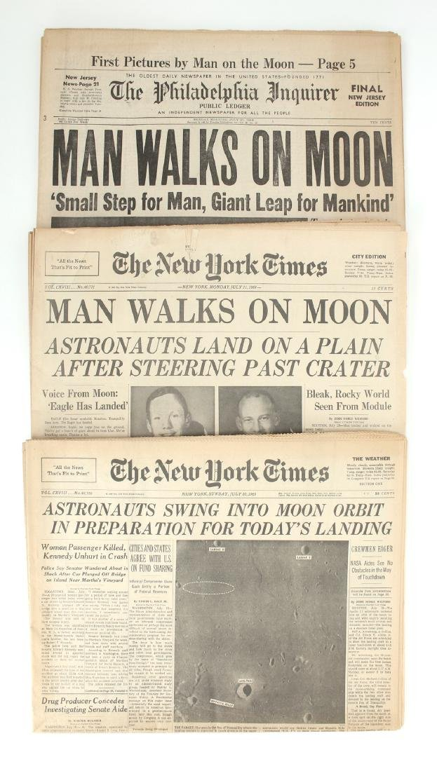 NEW YORK TIMES, PHILA INQUIRER MAN ON MOON 1969