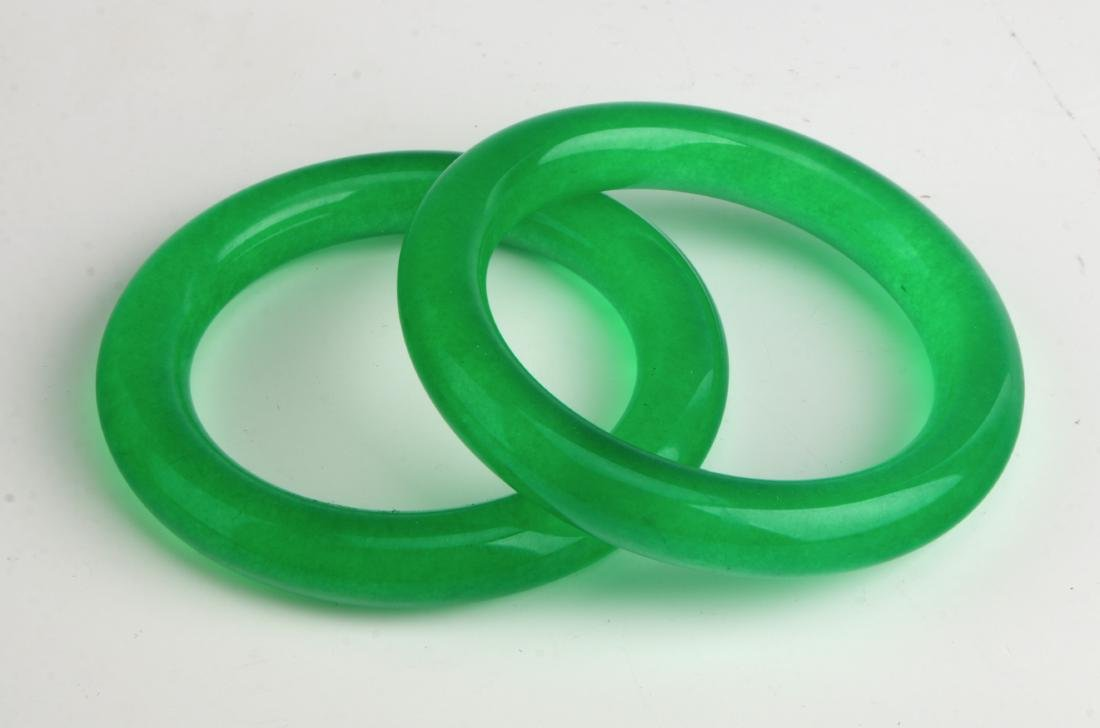 PAIR OF CHINESE GREEN JADE BANGLES - 2