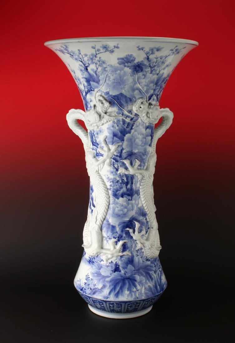 IMPRESSIVE 19TH C BLUE & WHITE DRAGON PALACE VASE - 2