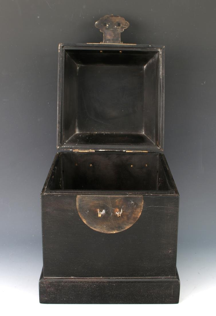 SMALL HINGED ZITAN SEAL BOX - 6
