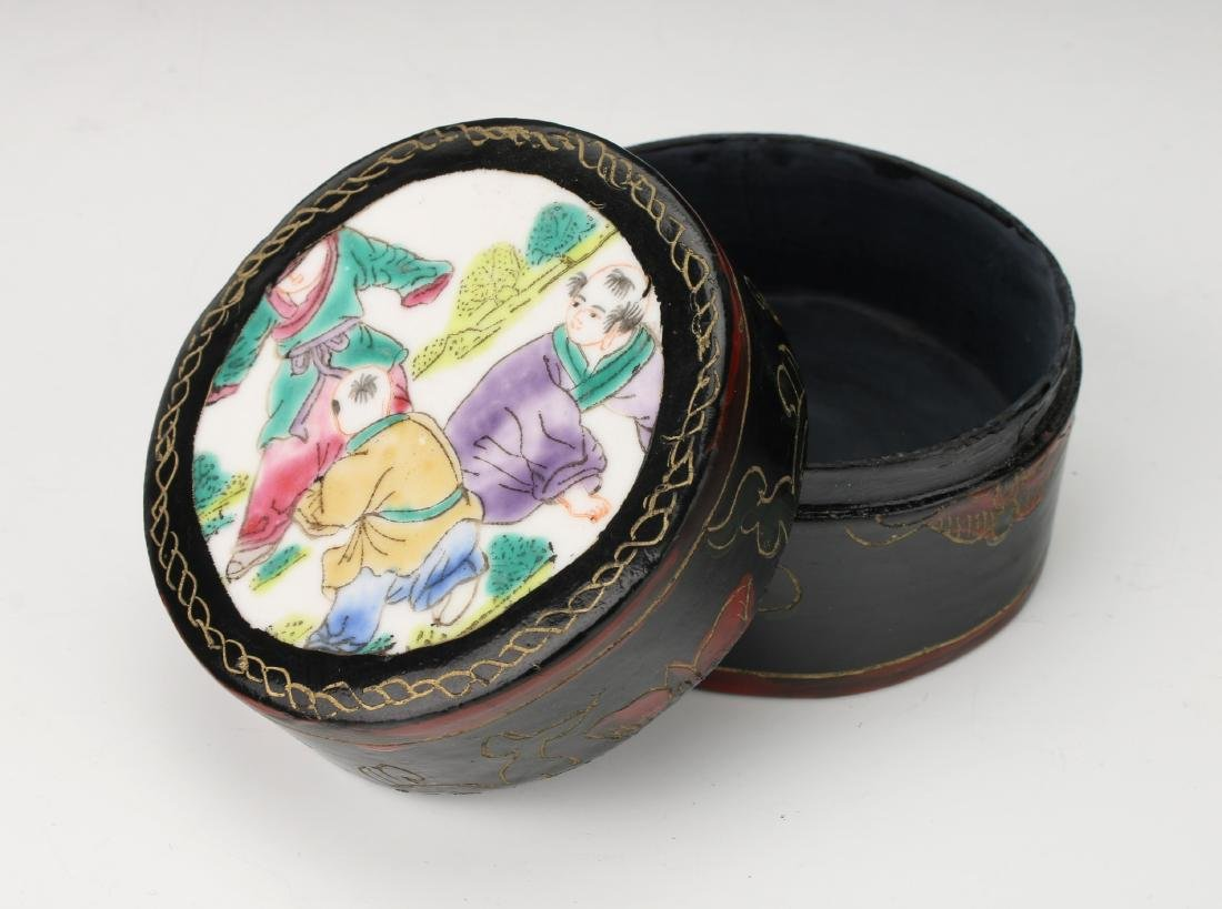 BLACK LACQUER BOX WITH PORCELAIN INSET - 4