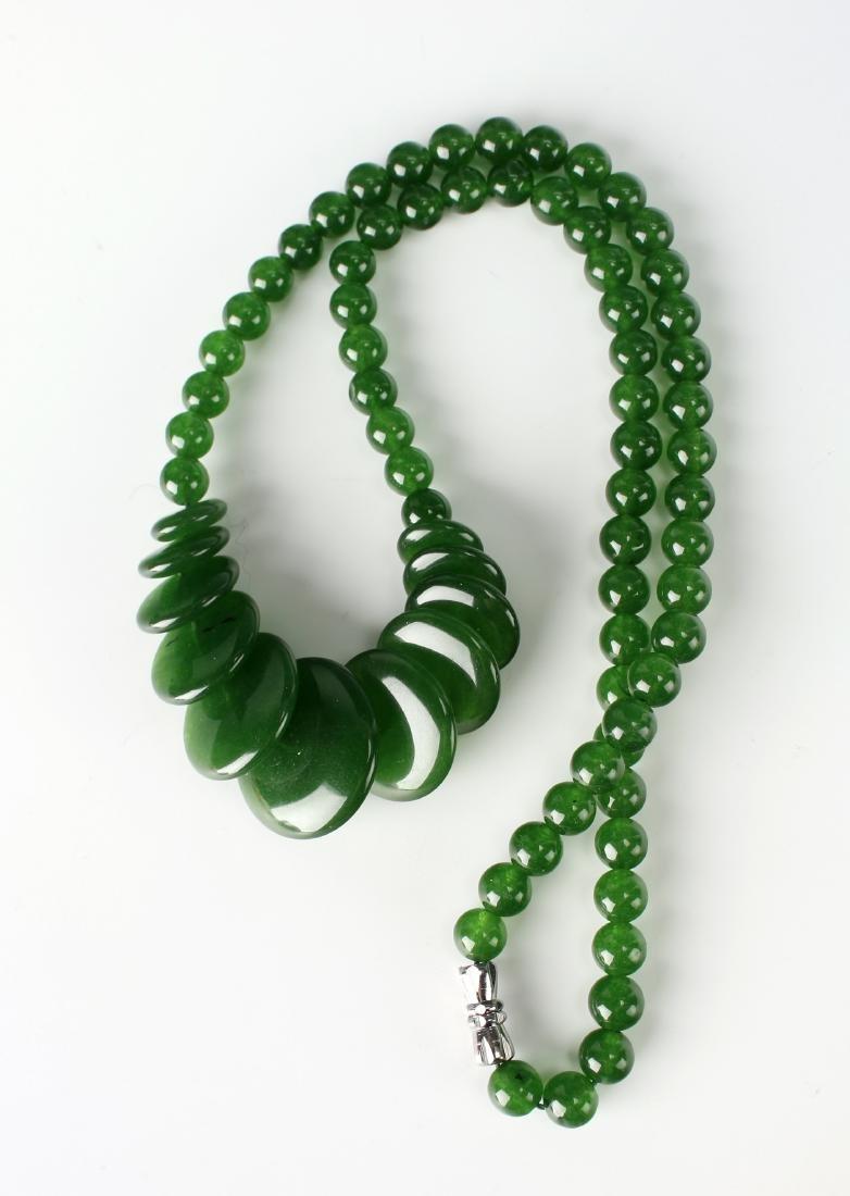CIRCLE GREEN JADE NECKLACE