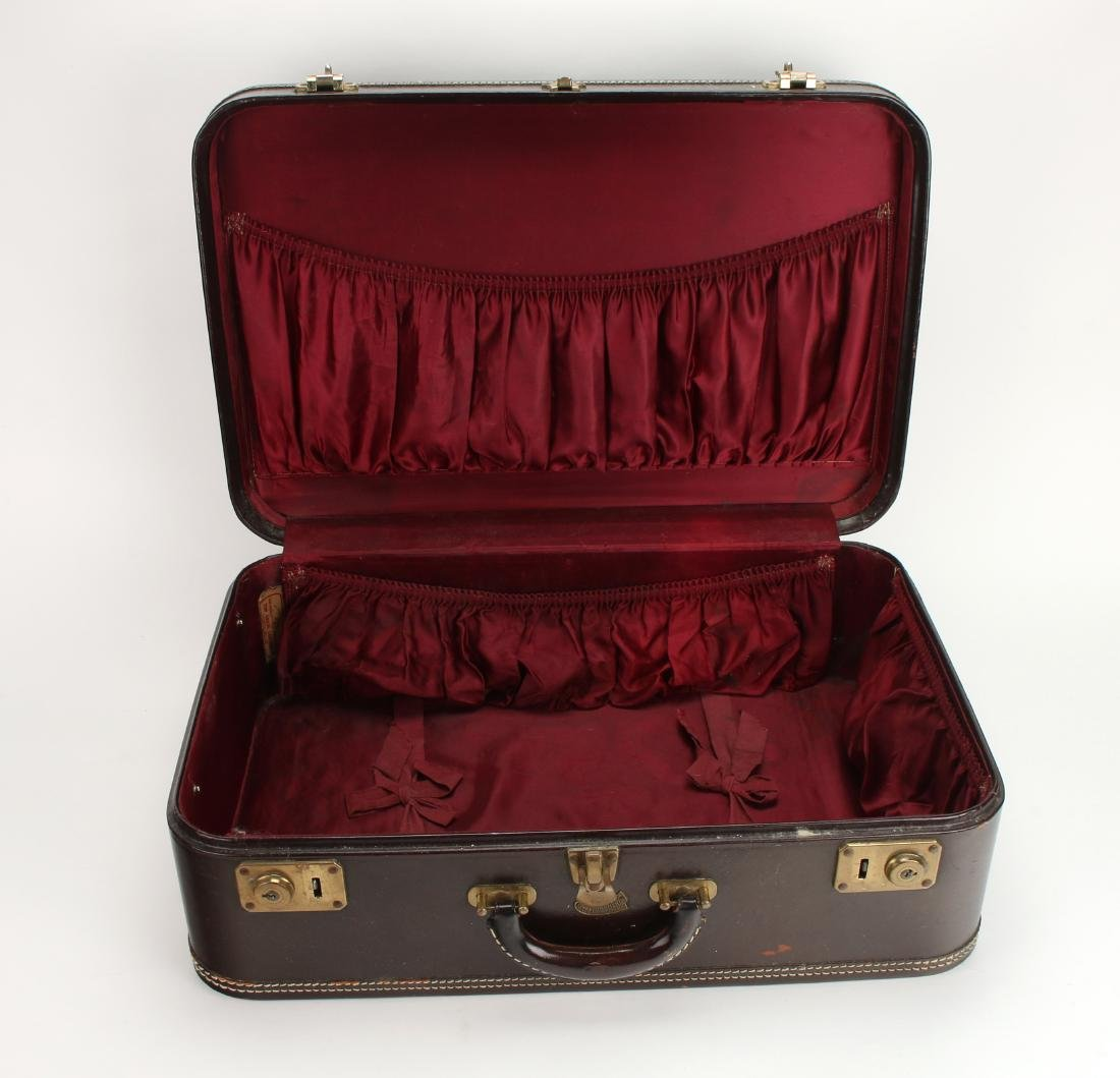 VINTAGE LEATHER STRATOSPHERE SUITCASE - 5