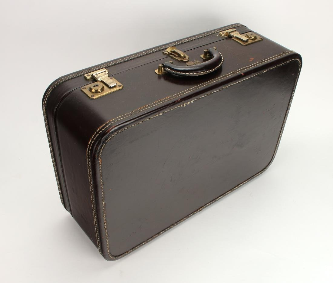 VINTAGE LEATHER STRATOSPHERE SUITCASE - 6