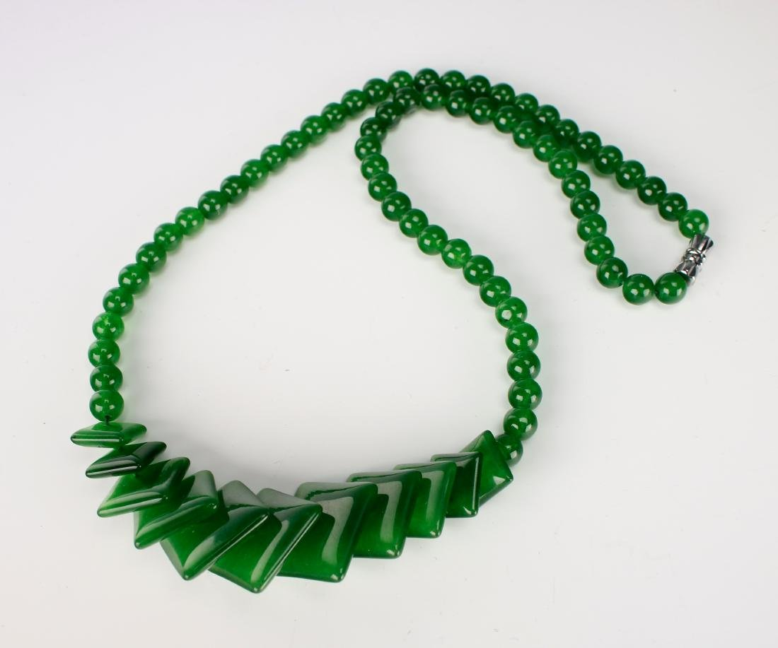 GREEN JADE NECKLACE WITH SQUARE BEADS