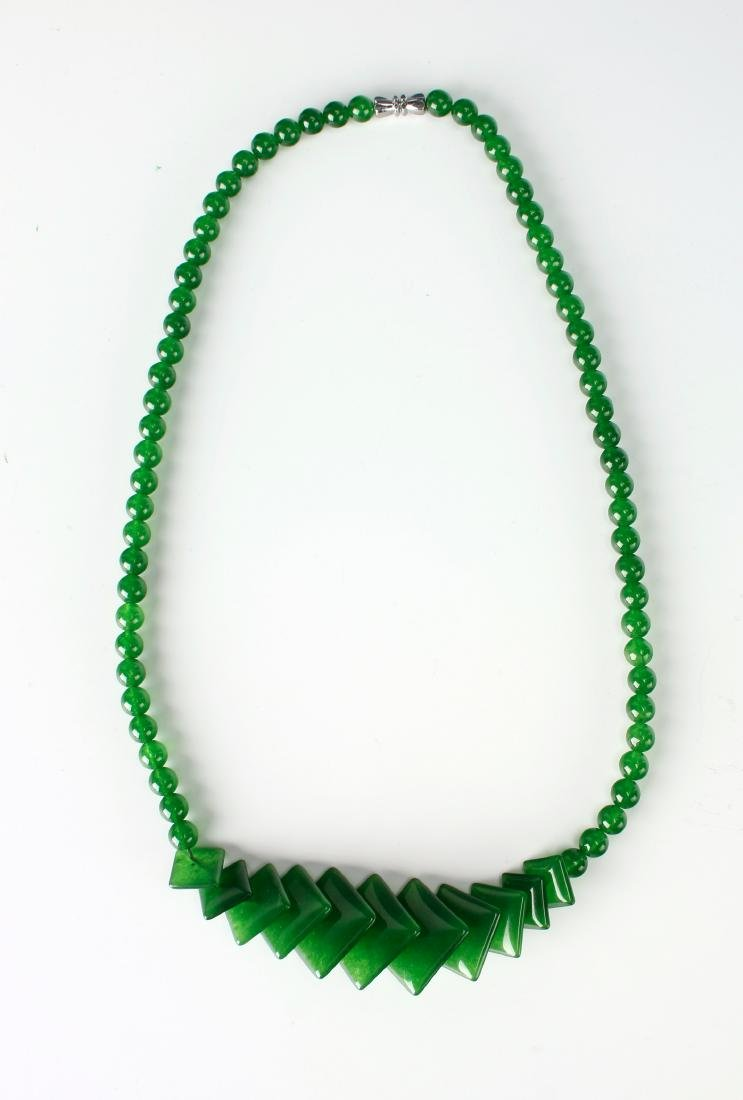 GREEN JADE NECKLACE WITH SQUARE BEADS - 2
