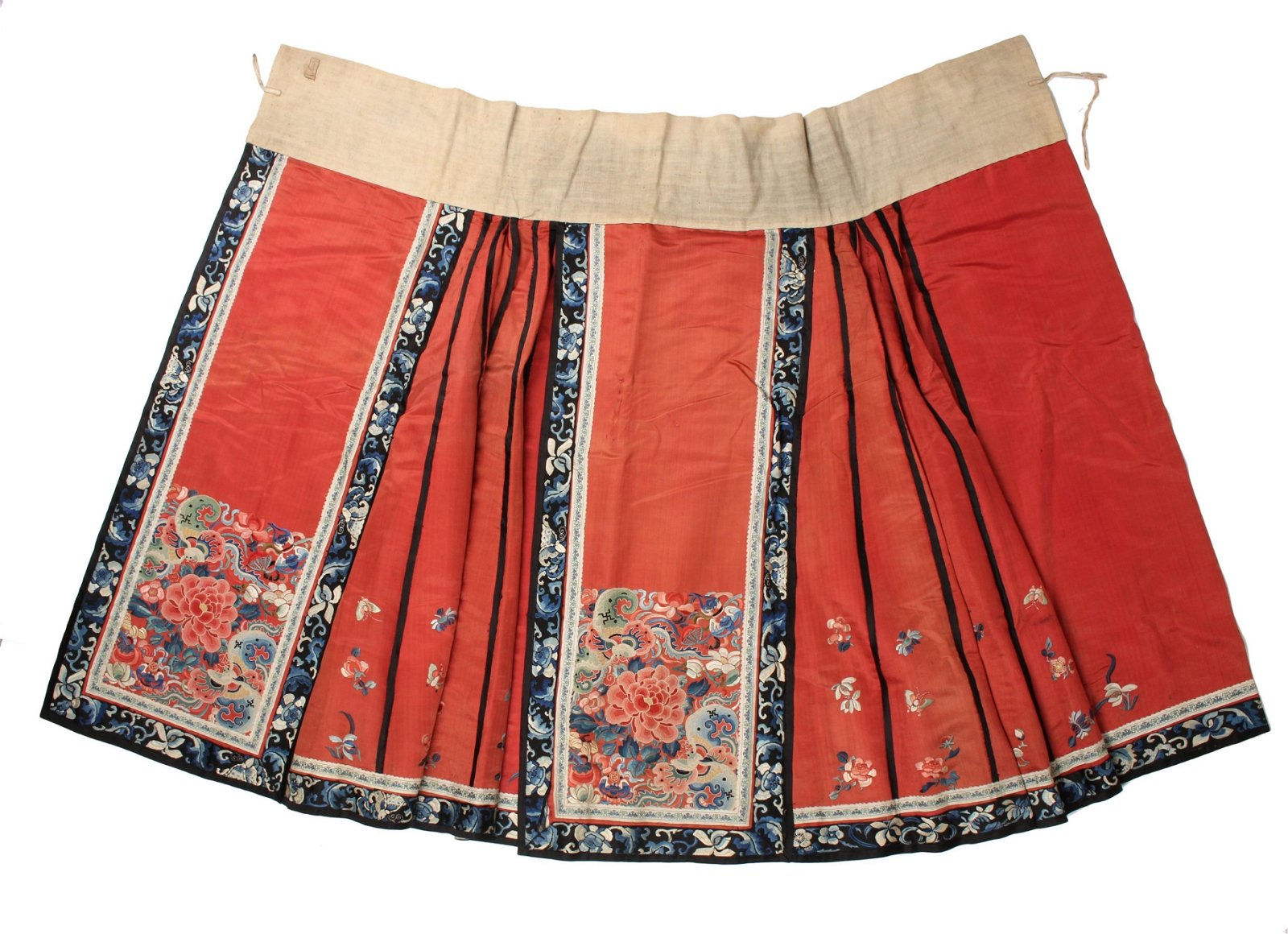 19TH C. CHINESE EMBROIDERED SILK SKIRT