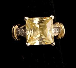 18K YELLOW AND WHITE GOLD MODERN DIAMOND RING