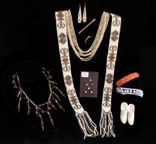 VICTORIAN VINTAGE ASSORTED JEWELRY LOT