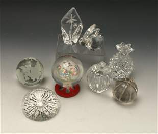 8 ART GLASS PAPERWEIGHTS AND SCULPTURES