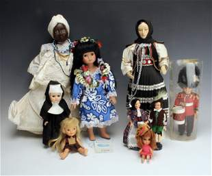 ASSEMBLED LOT INTERNATIONAL DOLLS