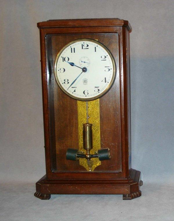 18: ATO Electrique clock