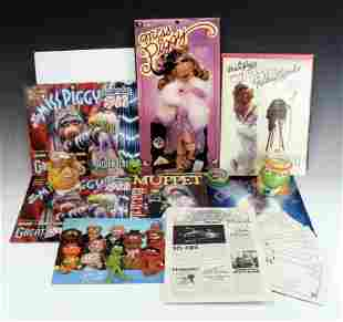 ASSORTED LOT OF VINTAGE MUPPET ITEMS