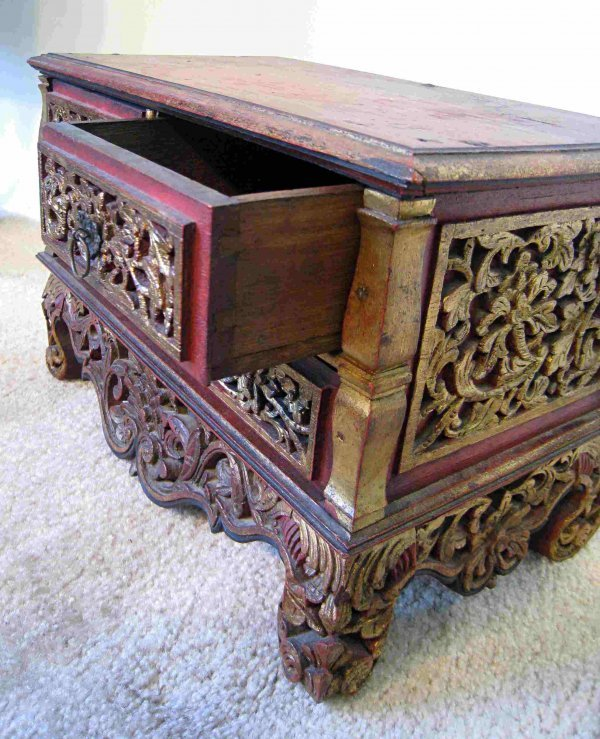 20: Carved Jewelry Chest - 2