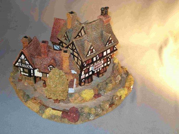 18: Model resin Tudor home