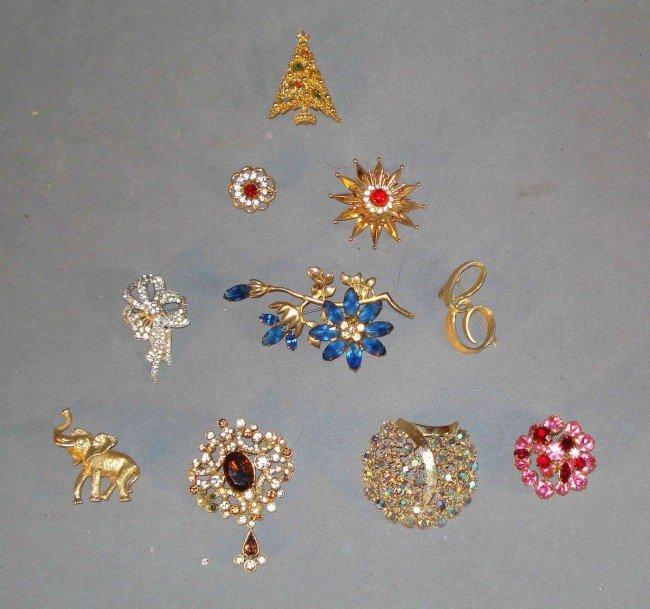 22: Costume jewelry pins