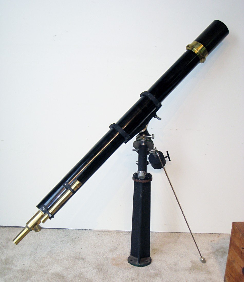 251: Refracting telescope attributed to W & D Mogey